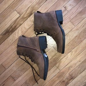 Clark's tan leather ankle boots!